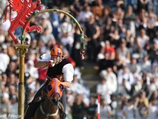 Corsa all'Anello, è il momento della sfida, in campo i cavalieri di Mezule, Fraporta e Santa Maria