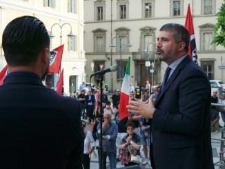 Terni, comizio in piazza Solferino con Simone di Stefano