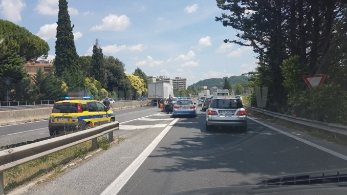 Umbria divisa in due, incidente sul raccordo Perugia Bettolle, un ferito
