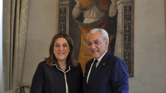 Presidente Marini saluta il prefetto Cannizzaro che lascia Perugia