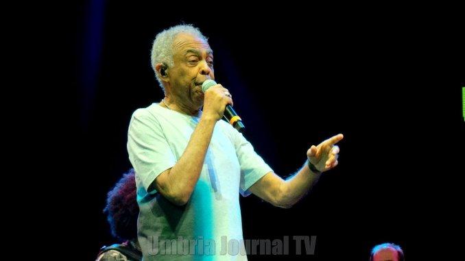 Gilberto Gil con Refavela 40 a Umbria Jazz, musica brasiliana all'Arena FOTO