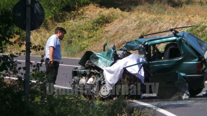 Incidente mortale a Ponte Rio, muore un 44enne perugino, ferita la compagna
