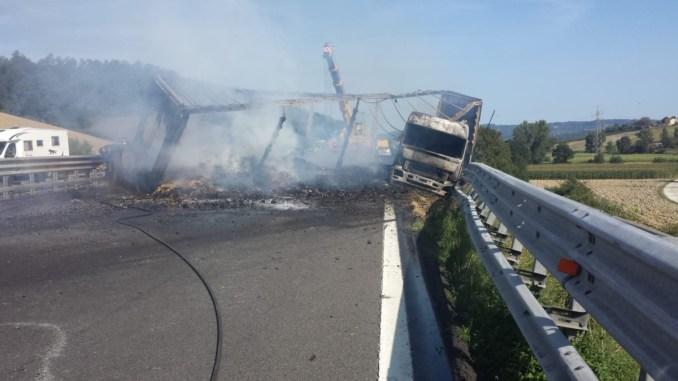 Incidente mortale A1, arrestato camionista per omicidio plurimo colposo