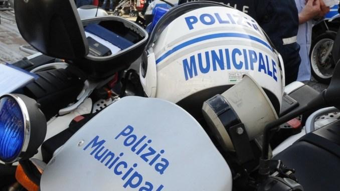 Taser per Polizia Locale centrosinistra critica proposta la Lega