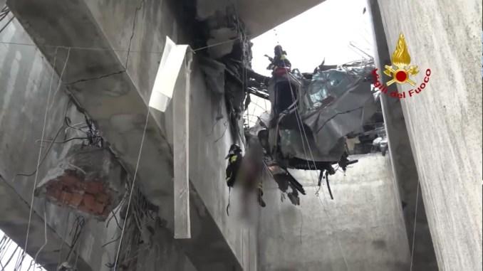Viadotto crollato a Genova, gli Angeli che salvano vite umane