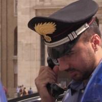 Dà in escandescenze a Santa Maria degli Angeli e ferisce militari