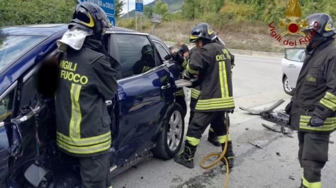 Incidente stradale a Gubbio, una persona ferita, portata in ospedale per accertamenti