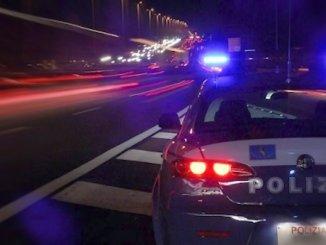Controlli della Polstrada, alla guida ubriachi, ritirate 4 patenti