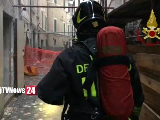 Incendio a Foligno, a fuoco ex taverna La Mora, stabile disabitato