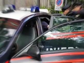 Ubriaco fradicio aggredisce i Carabinieri, arrestato e processato