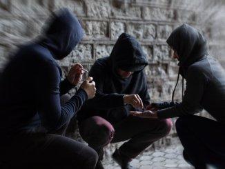 Cinque ragazzi denunciati a Bastia per droga, avevano grinder e marjuana