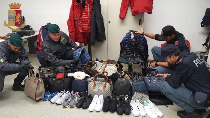 Controlli al Luna Park, Finanza e polizia sequestrano merce contraffatta