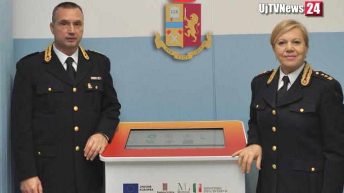 Totem informativo per stranieri presso la questura di Perugia