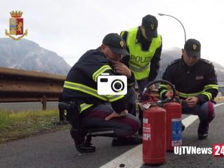 Operazione della Polstrada foto recupero merci pericolose