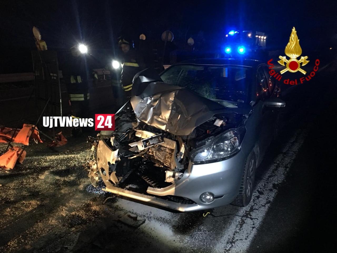 Incidente stradale nella notte, Raccordo Perugia Bettole, una persone ferita