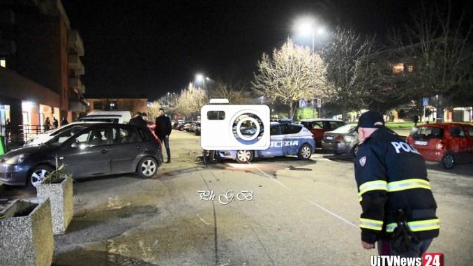 Audi sperona auto polizia, caccia alla banda [LE FOTO]
