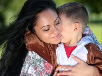Cuore di mamma, storia familiare e di amore di Mariela e Omar dall'Ecuador a Perugia