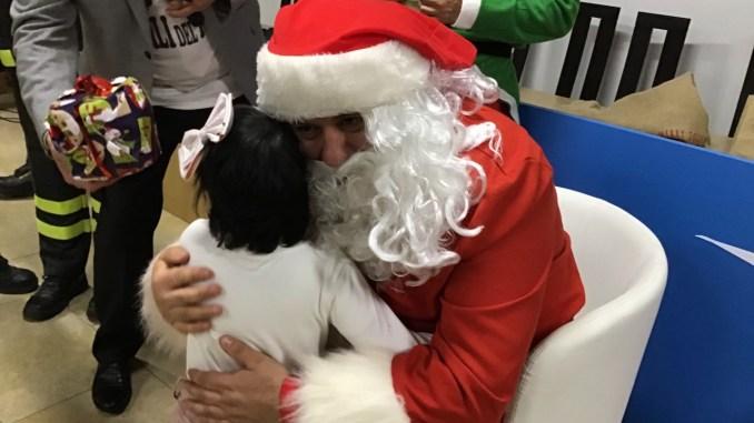Babbo Natale, il regalo dei Vigili del fuoco per i bimbi malati di tumore