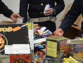 Vendita illegale botti capodanno, Polizia sanziona negozio a Giove, Terni