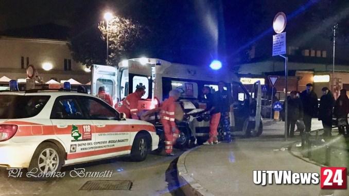 Gruppo di rom beve vodka a Fontivegge, una donna si sente male