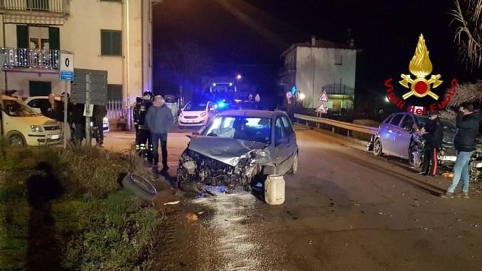 Tre feriti, incidente stradale nella notte a Città di Castello