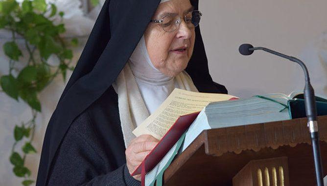 Norcia, le monache benedettine ritornano a casa dopo il terremoto