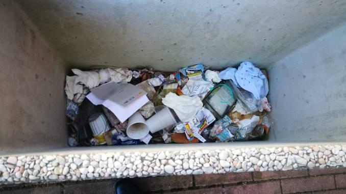 Area Giontella Bastia, Casapound, degrado qua e là, sporcizia ovunque