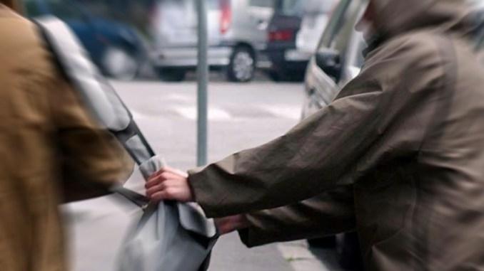 Polizia arresta algerino, aveva scippato una donna a Città di Castello