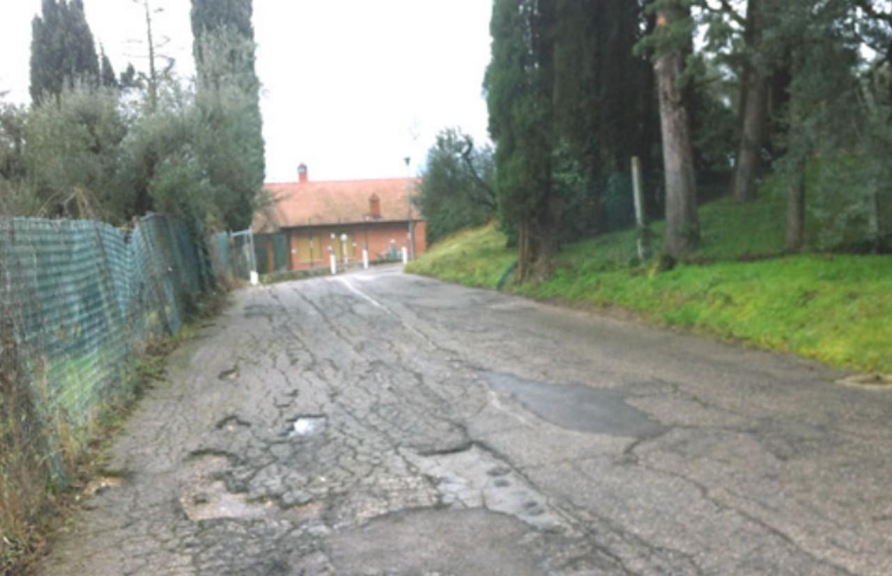 Strada fantasma e rischiosa a Casaglia diventa pubblica dopo 35 anni