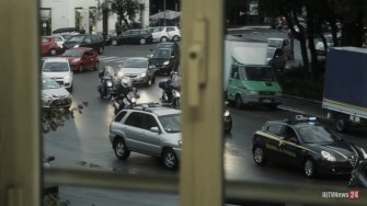 Dia polizia carabinieri auto indagini arresto finanza carcere (42)