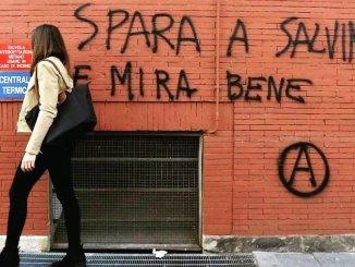 Spara a Salvini e mira bene, Capitano, non mi fate paura, tanta solidarietà