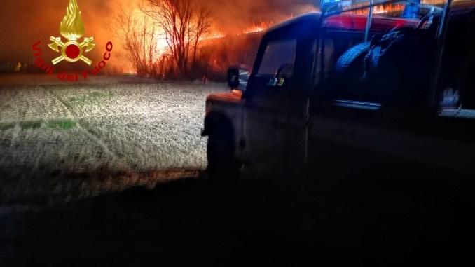 Forte vento, violento incendio anche a Cannaiola di Trevi