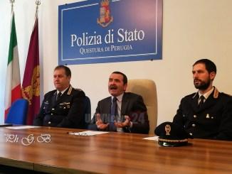 Polizia Perugia smantella banda che rubava trattori e camion, 4 arresti