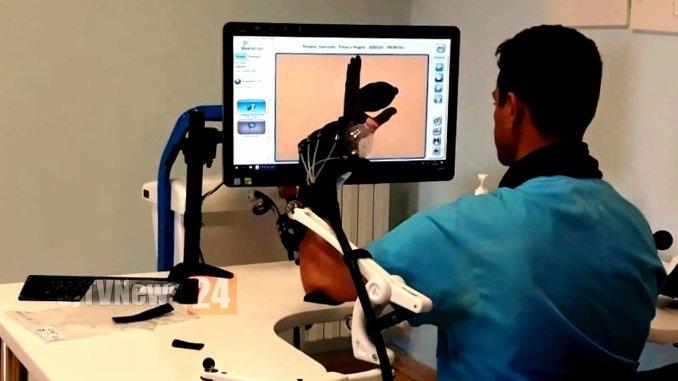 Recupero mano e braccio dopo ictus cerebrale usando il robot