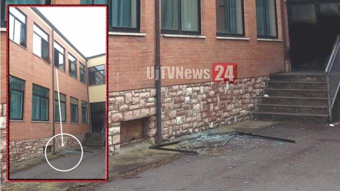 Tragedia sfiorata a Bastia Umbra crolla finestra dal secondo piano della scuola