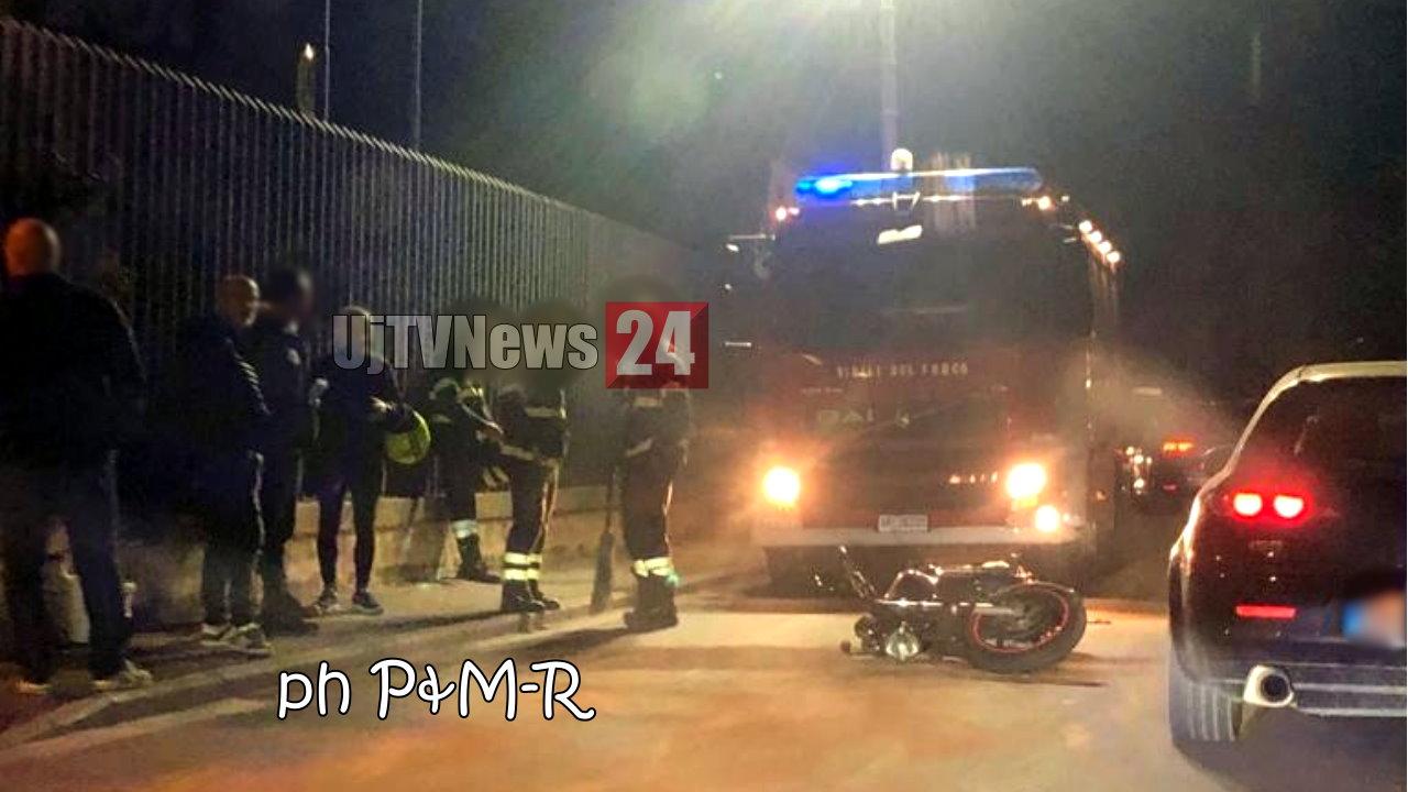 ➡ FOTO ⬅ Incidente stradale a Castel del Piano, auto contro moto in via Strozzacapponi