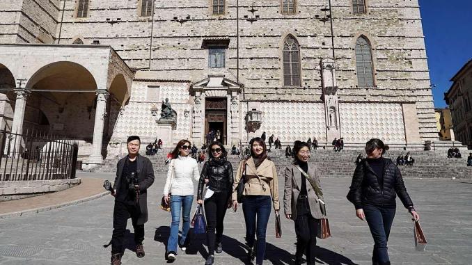 Press tour di giornalisti cinesi in visita in Umbria con duetroupe televisive