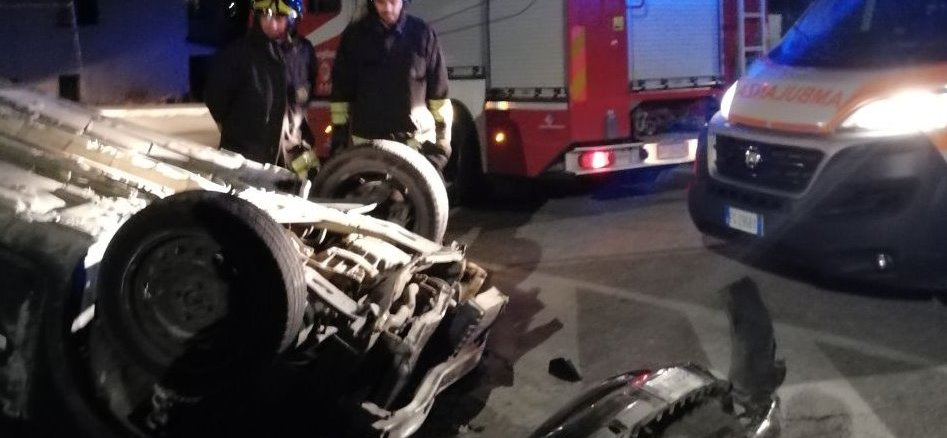 Incidente stradale autonomo, in via Umbria a San Martino in Colle
