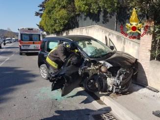Incidente sulla strada Statale 75 bis a Taverne di Corciano, ci sono feriti