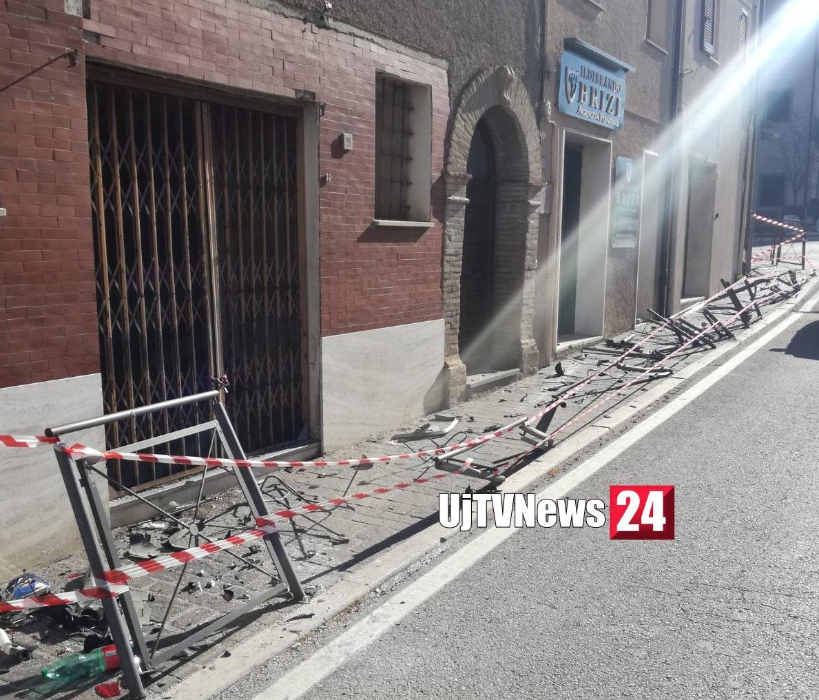 Incidente nella notte a Rivotorto D'Assisi, ragazzo vivo per miracolo