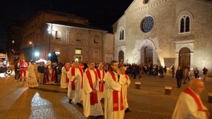 Processione del venerdì santo a Terni celebrazione passione di Cristo