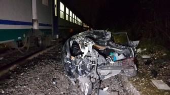 incidente-treno-auto7