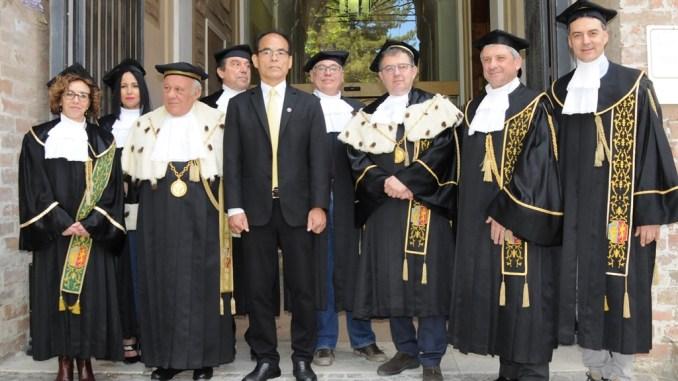 Dottorato HonorisCausa a Perugia al premio Nobel Shuji Nakamura inventò luci a led