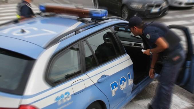 Prostituta denunciata per estorsione a Bastia Umbra, vittima un settantenne