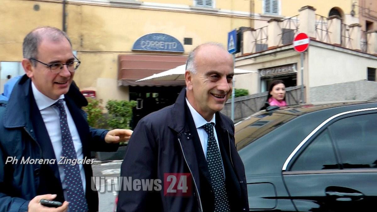 Inchiesta sanità umbra, Gianpiero Bocci in tribunale per interrogatorio ↘Foto↙