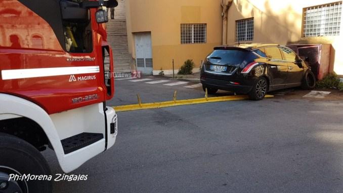 Incidente stradale vicino ex cinema Lilli auto investe pedoni due feriti