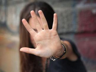 Via a #dacciuntaglio #nonsiamomarionette Unipg contro violenza di genere