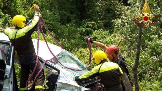 Morti due francesi scomparsi a giugno recuperata auto era finita fuoristrada