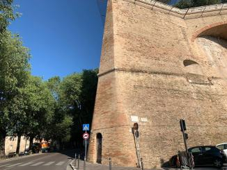 Donna morta overdose, ospedale Perugia rettifica, è caduta dalla Rocca