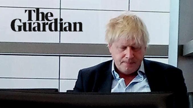 Boris Johnson nell'aeroporto di Perugia solo e sfinito